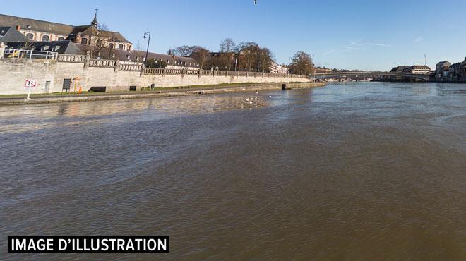 Un homme sauvé de la noyade par les pompiers à Châtelet: