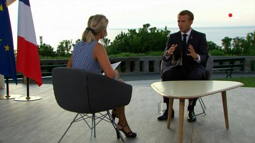 Retraites: Macron