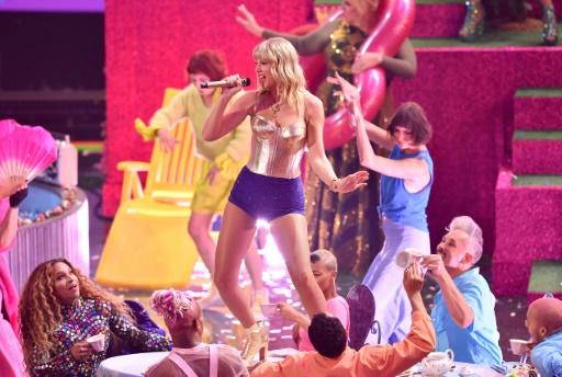 Les MTV Video Music Awards lancés par Taylor Swift