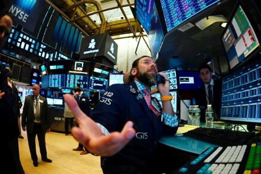 Wall Street rechute, les craintes d'une récession augmentent
