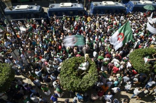 Algérie: une réunion d'une association à la pointe de la contestation interdite