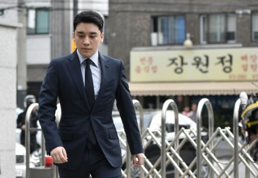 La star déchue de la K-pop Seungri aussi visée par une enquête pour paris illicites