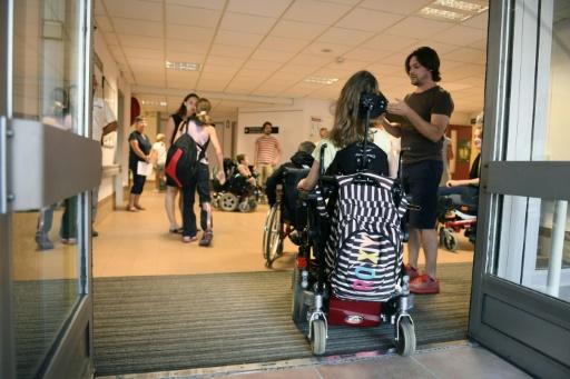 Handicap à l'école: l'ambition du gouvernement sera-t-elle suivie d'effet?