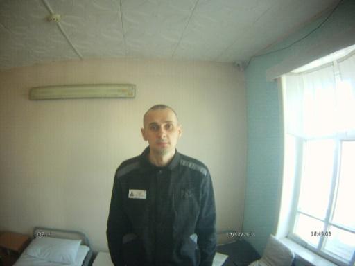 Le cinéaste ukrainien Sentsov emprisonné a été transféré à Moscou pour un