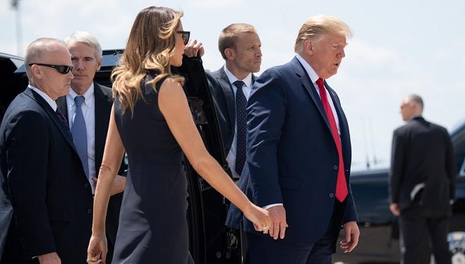 Donald Trump: ce geste envers Melania qui suscite la polémique