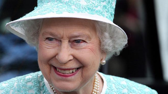 La réponse très amusante de la Reine à un groupe de touristes américains lui demandant si elle avait déjà croisé la monarque