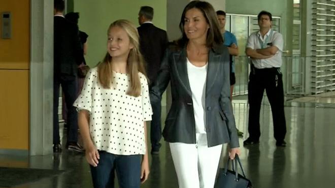 Letizia et Leonor d'Espagne rendent visite à Juan Carlos à l'hôpital: