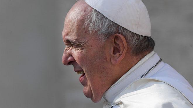 Bloqué dans un ascenseur, le pape François dû être secouru par les pompiers