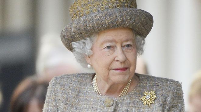 La reine Elizabeth II piège des touristes américains (et c'est vraiment drôle)