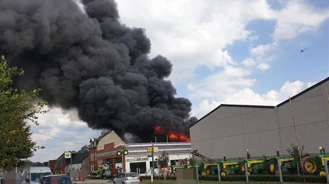 Un violent incendie a ravagé un entrepôt près d'Enghien: l'origine est volontaire
