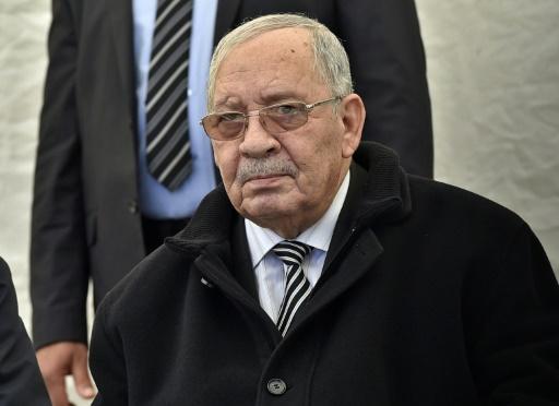 Algérie: l'armée veut une présidentielle avant la fin de l'année
