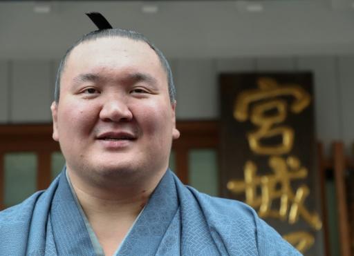 Sumo: le grand champion Hakuho obtient la nationalité japonaise
