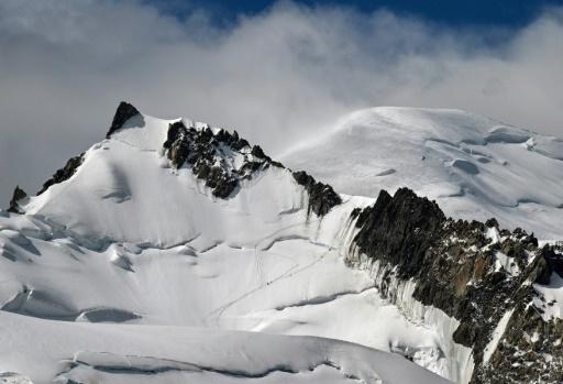Rameur abandonné au Mont-Blanc: un élu se plaint des