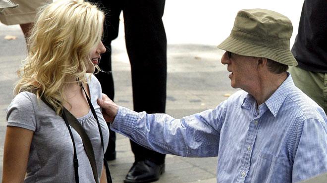 Woody Allen visé par des accusations d'abus sexuels: l'actrice Scarlett Johansson livre son opinion