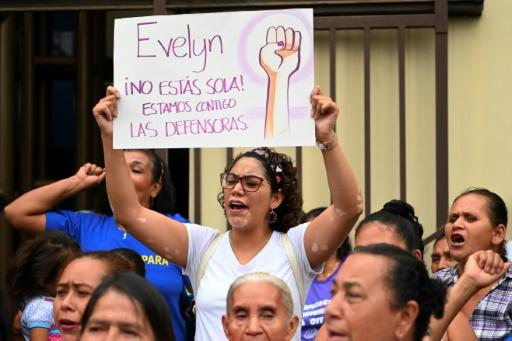 Salvador: le parquet fait appel de l'aquittement d'une femme qui avait perdu son bébé