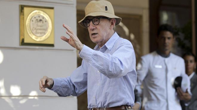 Woody Allen se défend suite aux accusations d'abus sexuels sur sa fille adoptive: