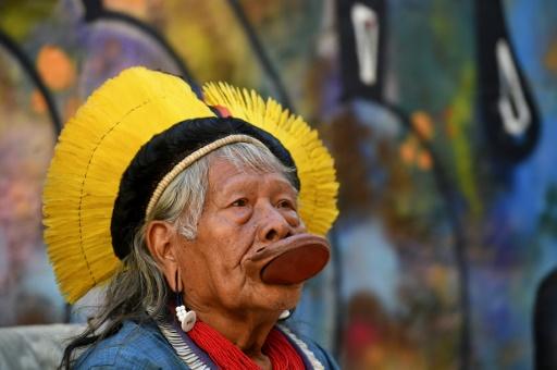 Amazonie: Édouard Philippe a rencontré le chef indien Raoni