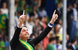 Brésil: Bolsonaro opéré avec