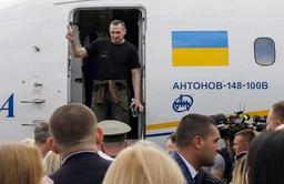 Macron et Poutine saluent l'échange de prisonniers avec l'Ukraine lors d'un échange