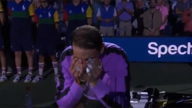 Un 19ème grand chelem en poche: Rafael Nadal fond en larmes après son sacre à l'US Open (vidéo)