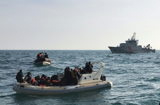 Royaume-Uni: 21 migrants interceptés dans la Manche