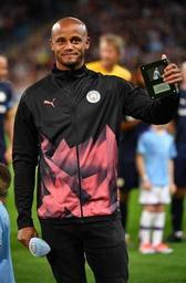 Vincent Kompany blessé mais content et ému pour son jubilé avec Manchester City