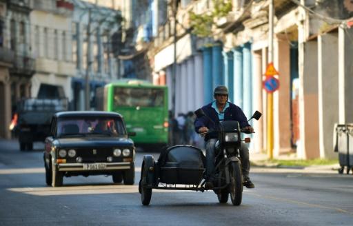 Pénuries d'essence à Cuba, mis au régime par les sanctions américaines