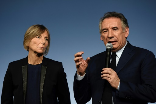 Emplois fictifs: Bayrou se dit