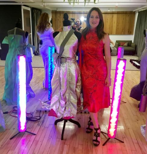 Des robes connectées pour rapprocher les femmes de la technologie