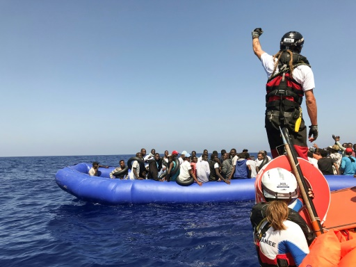 Migrants: l'Italie pousse à une