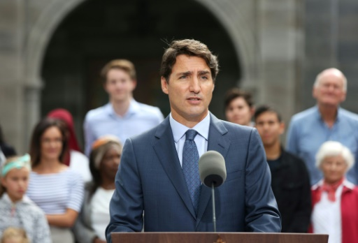Laïcité: Trudeau avertit qu'il pourrait contester une loi québécoise controversée