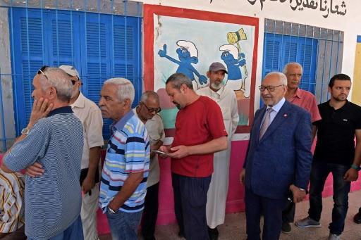 Présidentielle en Tunisie : les Tunisiens tranchent après des semaines d'incertitude