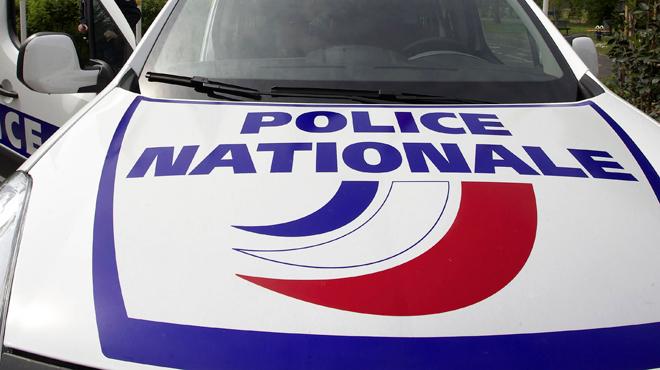 L'horreur en France: une femme poignardée en pleine rue devant ses enfants, son conjoint en garde à vue