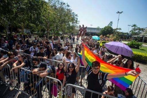 Un YouTuber brésilien menacé de mort pour son soutien aux LGBT