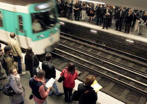 Incident avec un métro automatisé à Paris: un syndicat réclame une