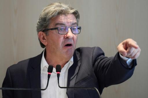 Perquisition à LFI: Mélenchon et ses coprévenus sont arrivés au tribunal pour un procès