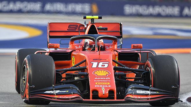 F1: Charles Leclerc s'offre sa troisième pole consécutive sur le circuit de Singapour