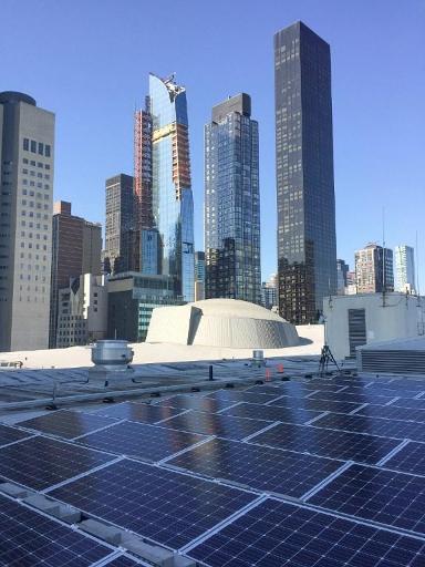 Assemblée générale de l'ONU - Les dirigeants du monde éclairés à l'ONU par 193 panneaux solaire