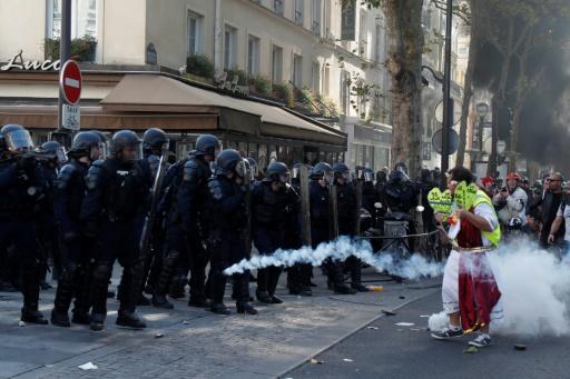 Manifestations à Paris samedi: 158 personnes placées en garde à vue selon le parquet