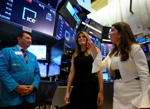 Wall Street ouvre en baisse, minée par l'incertitude commerciale