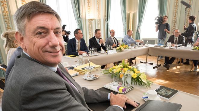Toujours pas de gouvernement en Flandre, malgré des discussions au bout de la nuit