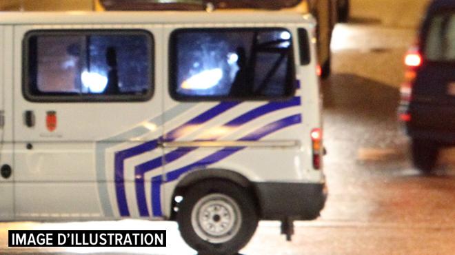 Une bande roumaine soupçonnée d'une cinquantaine de vols avec effraction démantelée: 10 suspects arrêtés