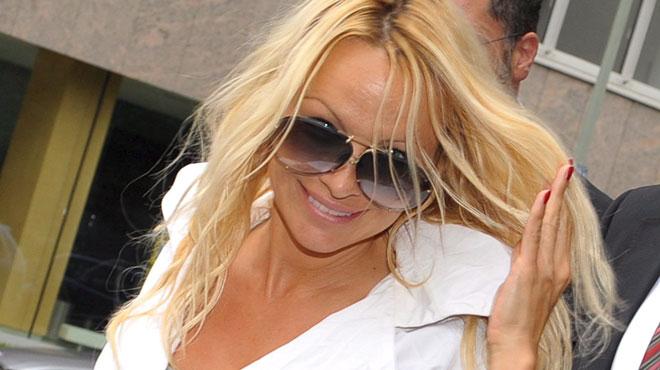 Pamela Anderson ne ressemble PLUS DU TOUT à ça (photo)