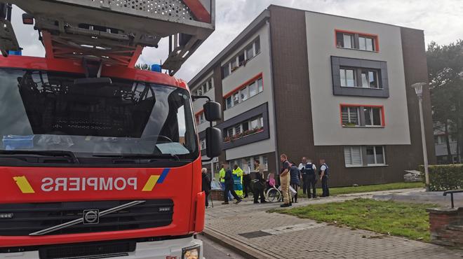 Incendie dans une résidence à Châtelineau: trois personnes légèrement intoxiquées