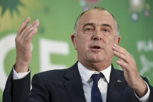 Incendie de Rouen: Didier Guillaume promet une indemnisation totale aux agriculteurs