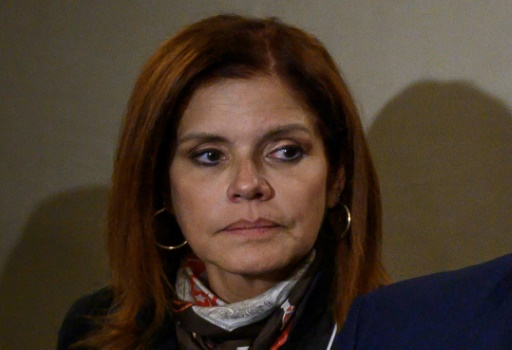 Pérou: dissous par le président Vizcarra, le Parlement riposte en le suspendant