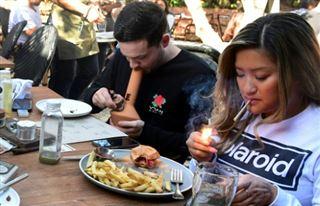Le premier café cannabis des Etats-Unis ouvre à Hollywood