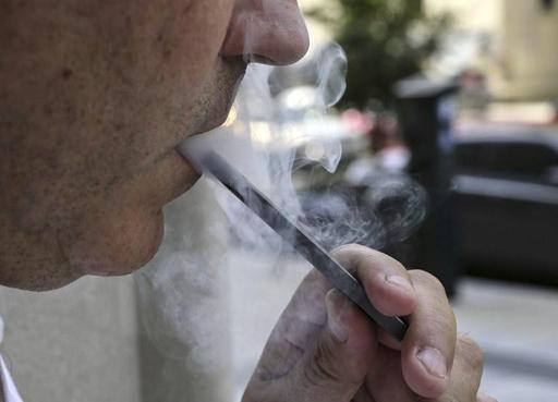 Malades du vapotage: les poumons comme brulés par des gaz toxiques