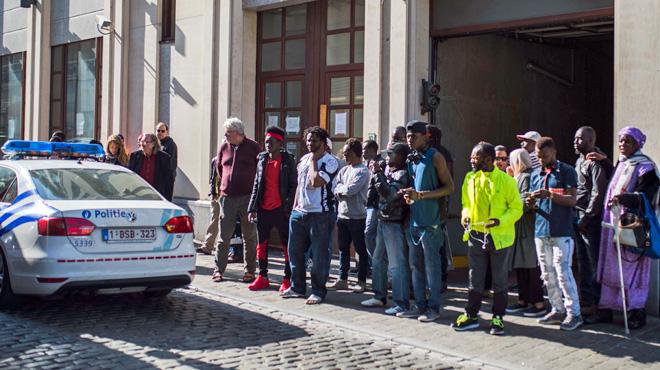 La Flandre durcit les conditions d'aide aux réfugiés: