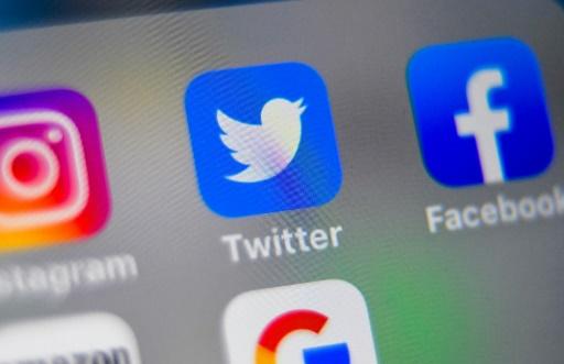 Pour les Américains, les réseaux sociaux contrôlent trop l'information